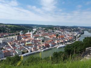 Blick auf Passau mit Inn und Donau